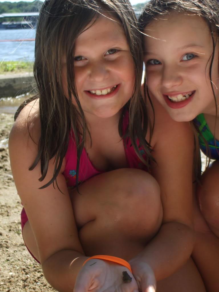 small girls beach butt
