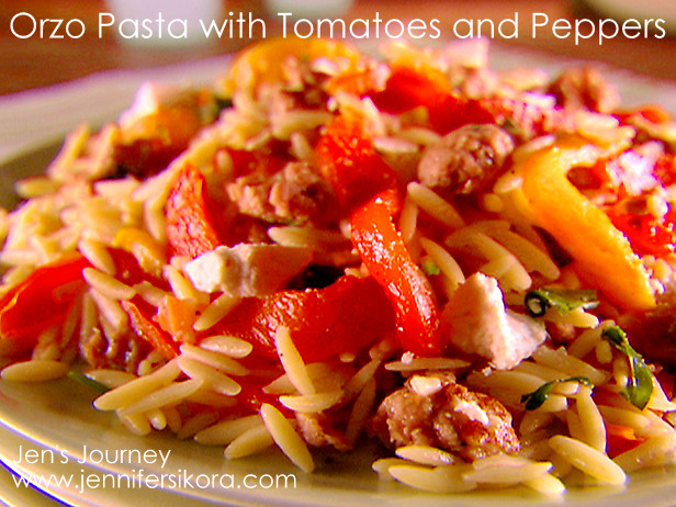 Orzo-Pasta with tomatoes and peppers