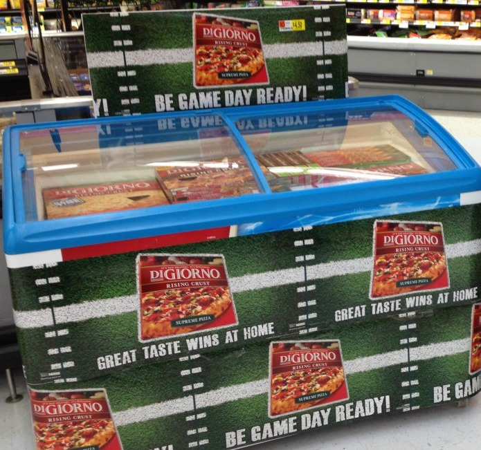 Get your very own DiGiorno pizzas at Walmart for your special game day celebration #gametimegoodies #shop #cbias