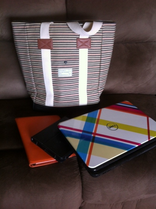 OutfitYours.com laptop bag is roomy