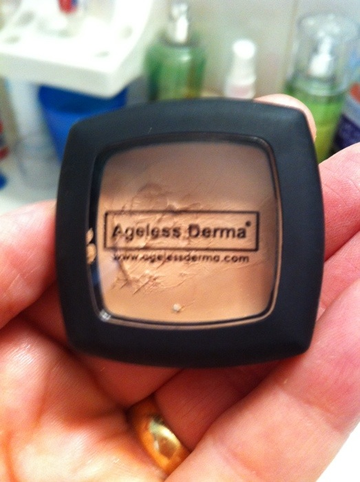 Conceal Your age with Derma Camofleur Concealer