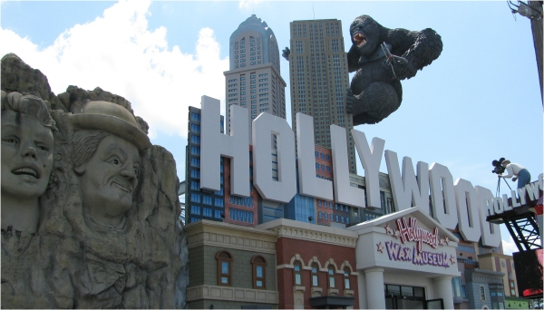 hollywood-wax-museum-entrance