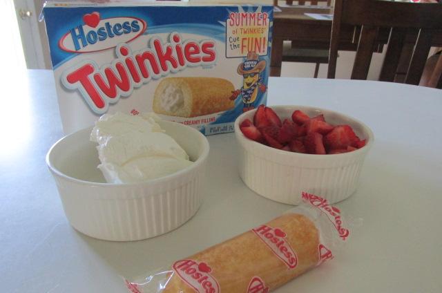 3 ingredients make this easy dessert perfect #TwinkieCookbook #MC #Sponsored