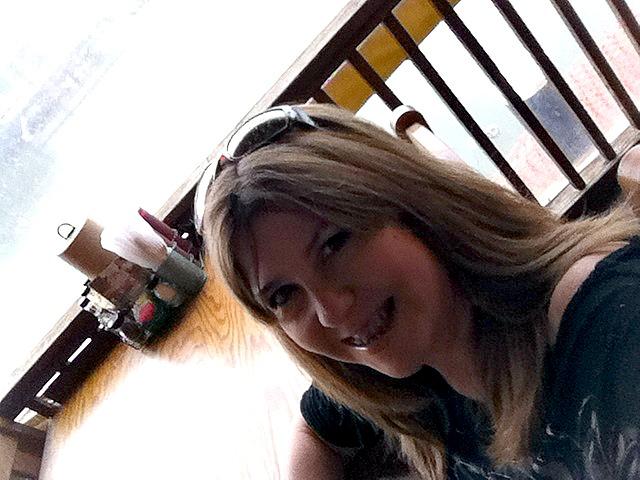 lulu selfie