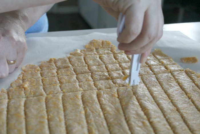 Cut your crackers