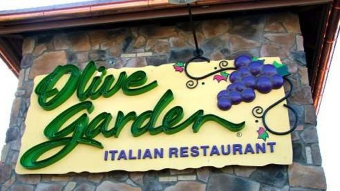 Discounted Family Fun Thanks to Olive Garden - Jen Around the World