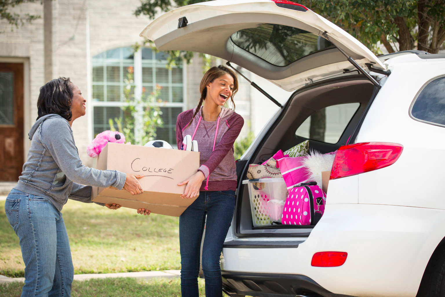 3 Tips for Packing for College + How to Survive the Madness of Move in Day