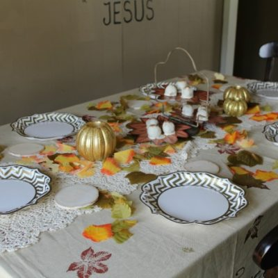 How to Set a Beautiful Fall Tablescape
