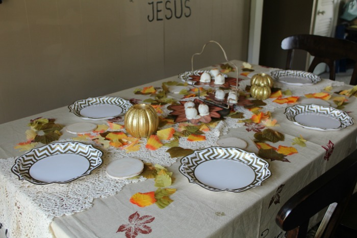 How To Decorate Table During Fall Season