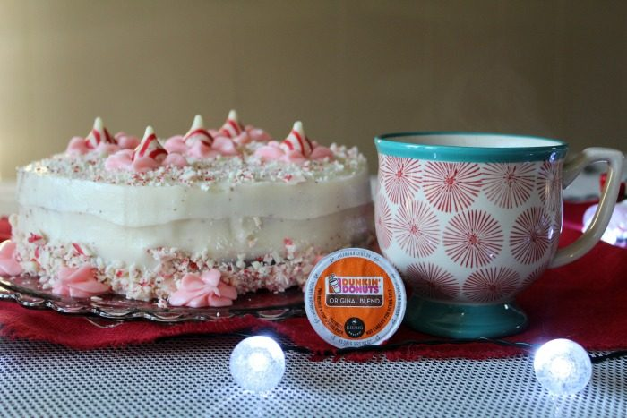 chocolate-peppermint-holiday-cake-featured