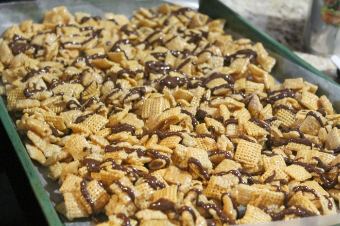 chex-chocolate-drizzle
