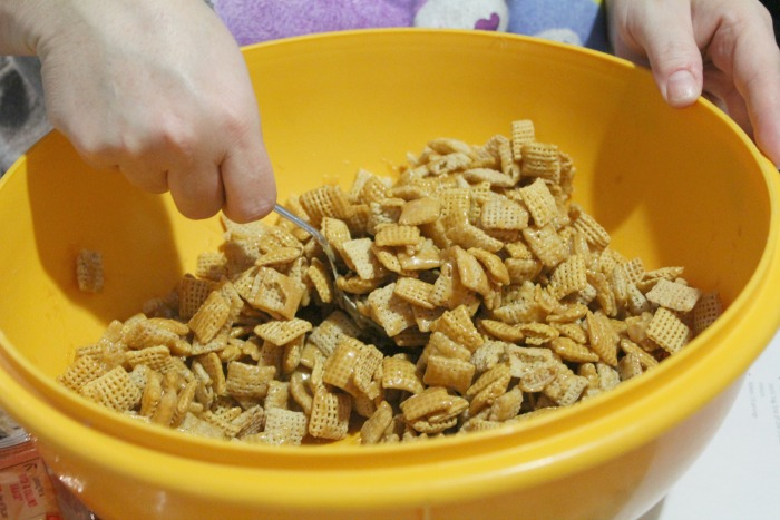 chex-mix-together-caramels