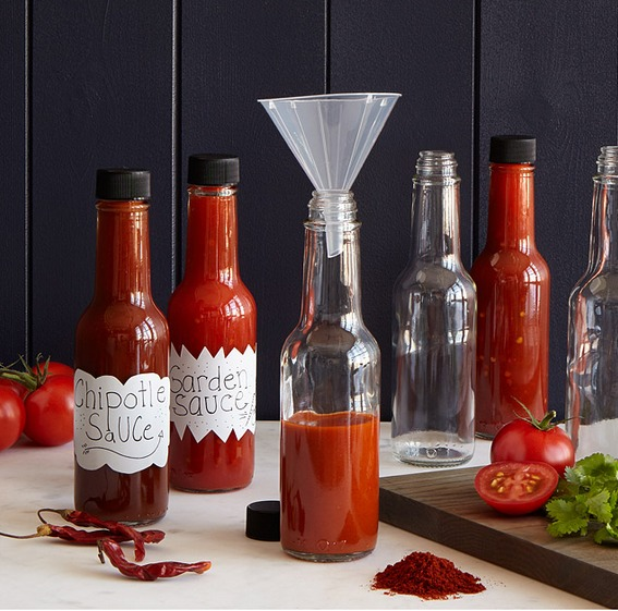 make-your-own-hot-sauce-kit-uncommon-goods