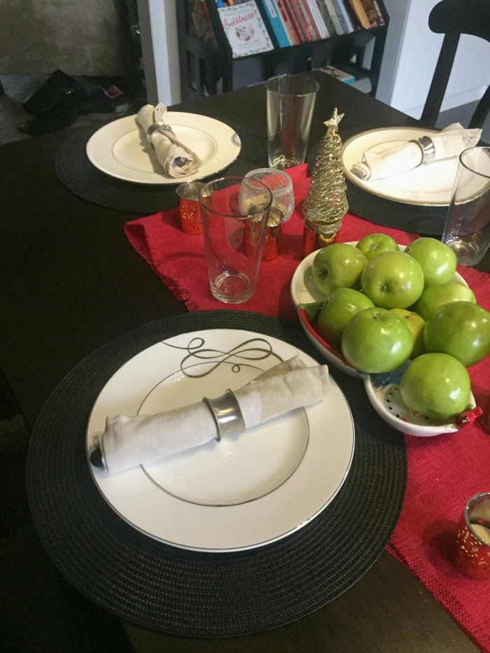 spruce-up-your-holiday-table