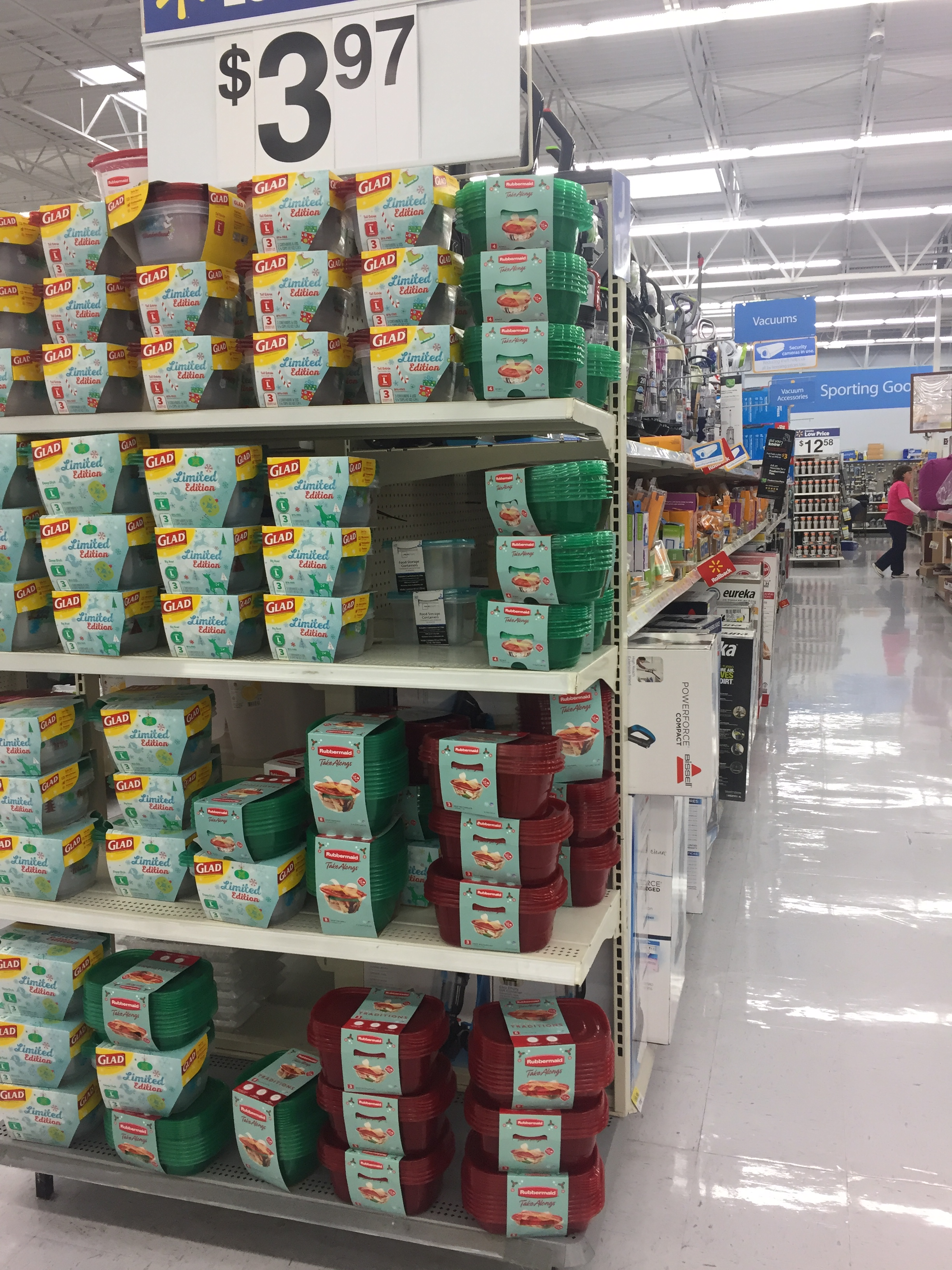 Rubbermaid TakeAlongs Store Shot