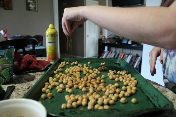 Spicy Garlic Chickpeas step 4