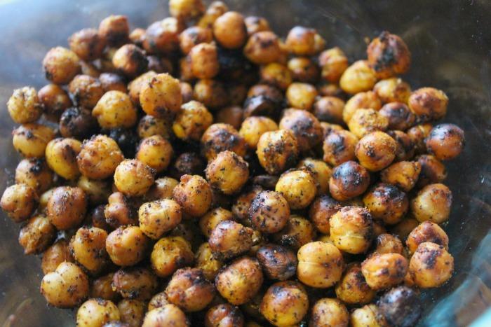 Spicy Garlic Chickpeas – a Delicious and Healthy Snack