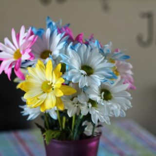 3 Easy Spring Decorating Tips to Spruce Up Your Kitchen featured