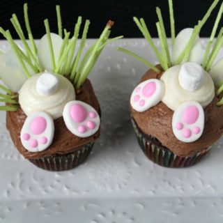 Bunny Butt Cupcakes {Perfect for an Easter Party at School}