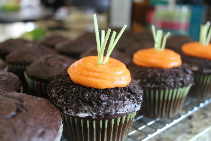 carrots in the dirt cupcakes featured