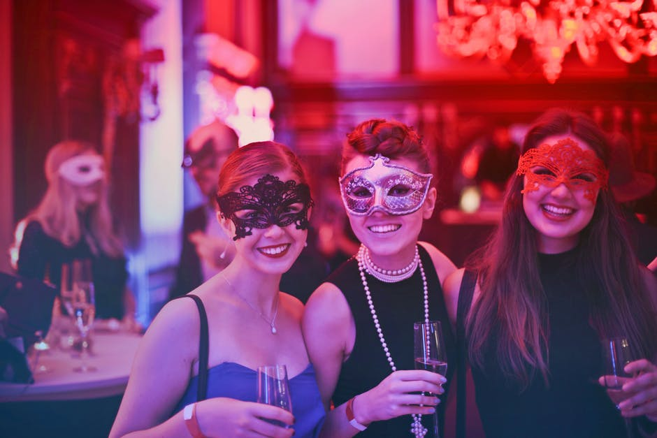 YOUR BUCKET LIST FOR THE BEST HEN PARTY EVER THIS YEAR