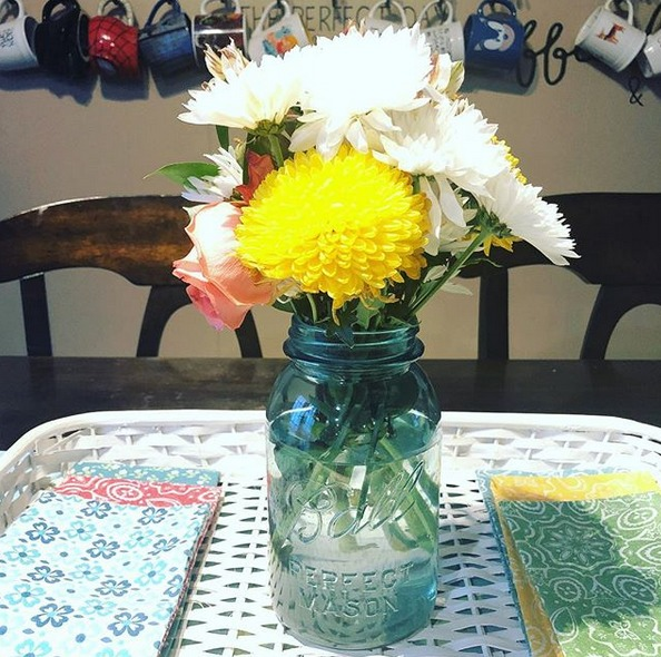 10 Wonderful Ways To Decorate Your Home With Flowers Jen Around