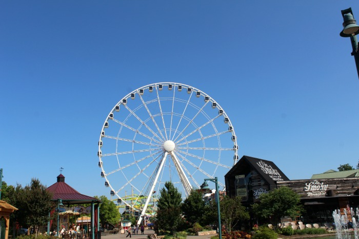 Pigeon Forge — Your Getaway for the Summer