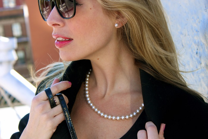 A Modern Mom's guide to wearing Pearl Jewelry