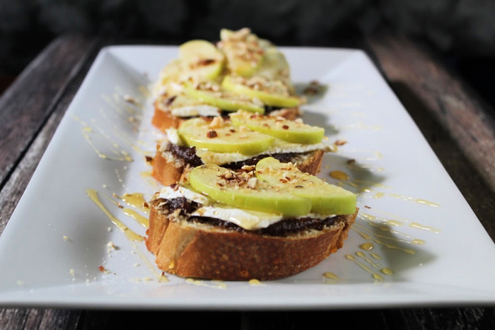Brie Apple Honey Crostini 1