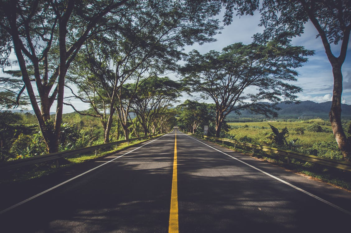 5 Ways to Avoid Car Accidents While on a Road Trip