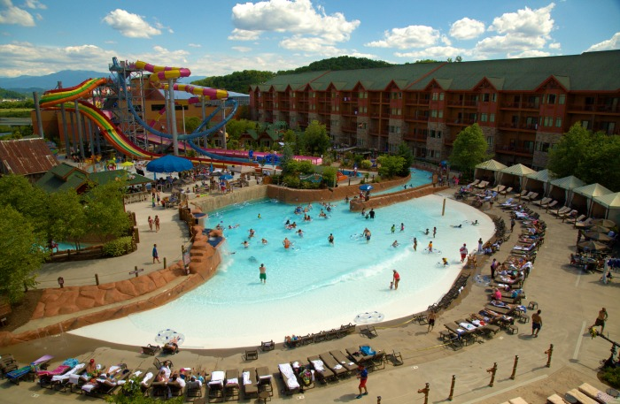 wave pool at wilderness of the smokies pigeon forge tn