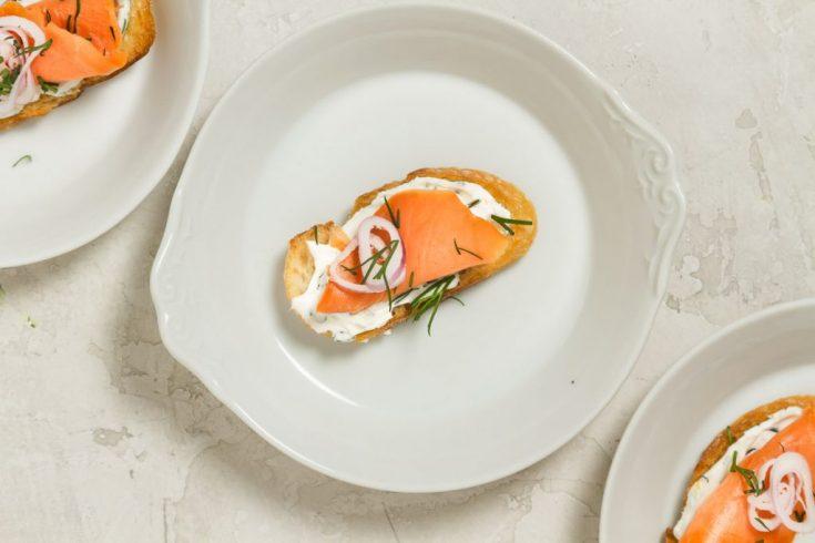 Easy Smoked Salmon Appetizer Crostini!