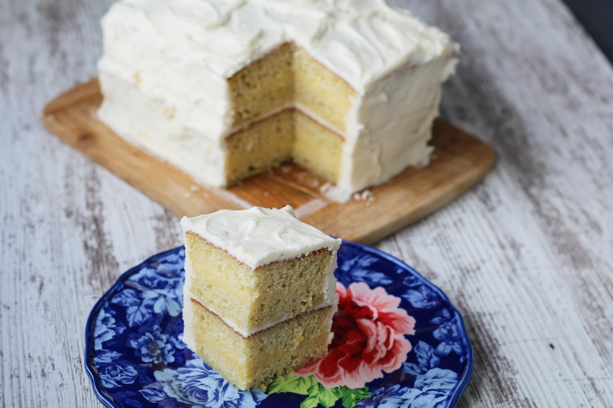 Lemon Buttercream Cake with Lemon Curd Filling